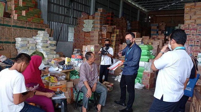 Awasi Makanan di Pasaran, BPOM HSU Masih Temukan Pedagang Pajang Barang Kadaluarsa