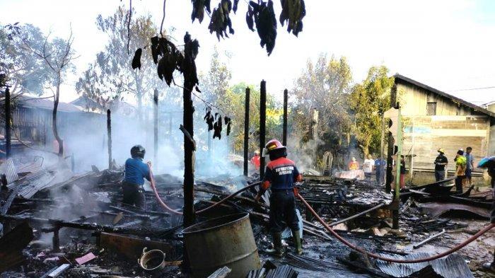 Kebakaran di Kotabaru, Rumah Milik Petugas Damkar Habis Terbakar, sang Istri Luka Bakar