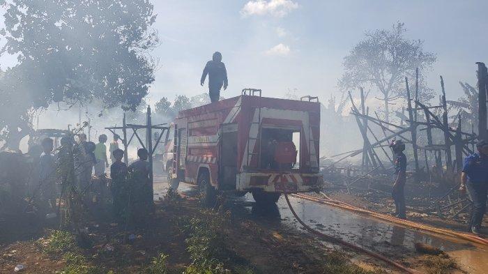 Kebakaran di Kalsel,  Api Berkobar Lagi di Pintu Air Pelaihari, Satu Bedakan Lumat