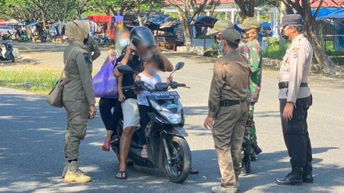 Covid-19 Belum Berakhir, Personel Polres Tapin Gelar Operasi Yustisi di Pasar Keraton