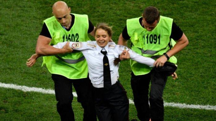 Insiden Penyusup Masuk Lapangan Sebelum Prancis Juara Dunia 2018 Usai Kalahkan Kroasia