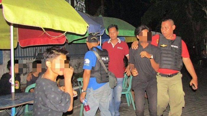 Gelar Razia ke Hotel, Karaoke Hingga Kos-kosan, Satpol PP Banjarbaru Sita 240 Botol Alkohol