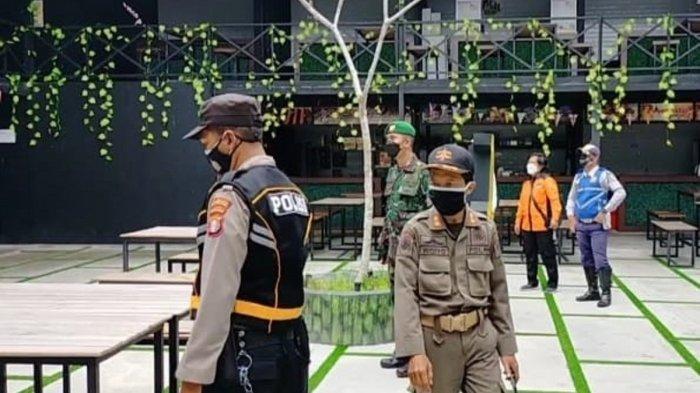 Petugas PPKM Palangkaraya Rutin Mendata Warga Isoman dan Gelar Operasi Yustisi