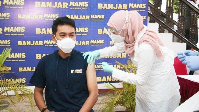 Bupati Banjar H Saidi Mansyur Dapat Suntikan Vaksin Covid-19