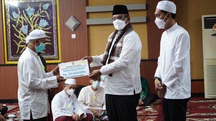 Tempat Ibadah di Kabupaten Banjar Ini Dapat Hibah Puluhan Juta Rupiah dari Pemprov Kalsel