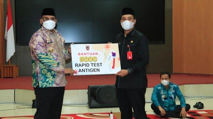 Wali Kota Banjarbaru Terima 5.000 Rapid Test Antigen dari Pj Gubernur Kalsel