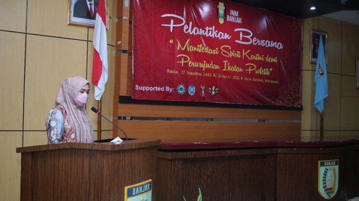 Ketua PKK  Banjar Pembicara Kehormatan  Pelantikan Komisariat Ikatan Mahasiswa Muhammadiyah