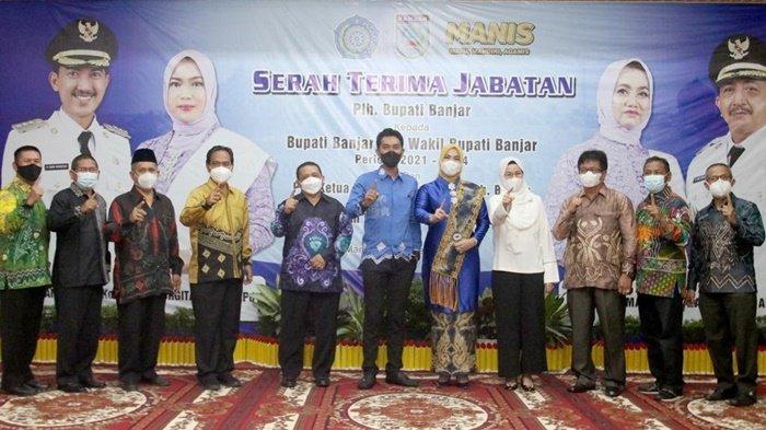 Plh Bupati Banjar Serahkan Jabatan kepada Bupati Banjar H Saidi Mansyur