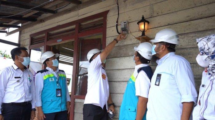PLN Kalselteng, berhasil menghadirkan listrik di Desa Teluk Timbau, Damparan, Lehai, Mangkatir, Kalanis, Kecamatan Dusun Hilir, Kabupaten Barito Selatan.