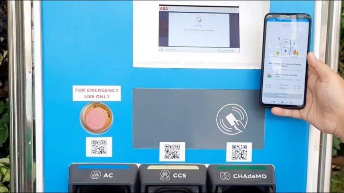 PLN menampilkan produk-produk unggulan bertemakan transformasi digital pada proses bisnis ketenagalistrikan