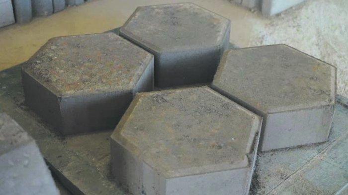 Fly Ash dan Bottom Ash (FABA) ataulimbahpadat yang dihasilkan dari proses pembakaran batu bara pada pembangkit listrik tenaga uap (PLTU) bisa dimanfaatkan.