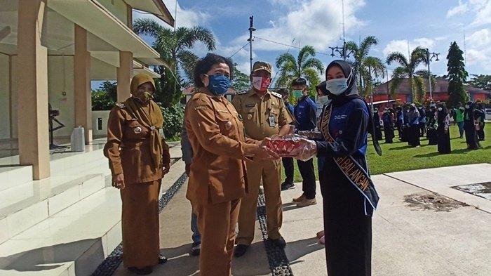 Upaya Cegah Stunting, FAD Kabupaten Balangan Turun ke Jalan Bagikan Makanan