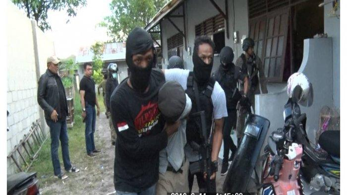 Pasca Penangkapan Terduga Teroris, Polisi Ungkap Tersangka Dijanjikan Pekerjaan di Kalteng