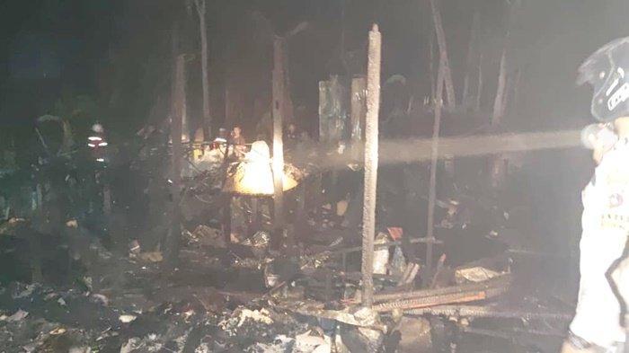 Tak Lama Setelah Berbuka Puasa, Kebakaran Gegerkan Warga Desa Ampukung Kabupaten Tabalong