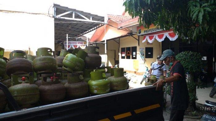 Pangkalan Elpiji di Banjarmasin Selatan Digrebek Polisi, Ratusan Tabung Gas LPG 3 Kg Diamankan