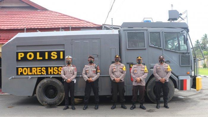 Polres HSS & Bahayangkari Bantu Korban Banjir di Barabai HST, Bagi Air Bersih, Makanan, Pakaian