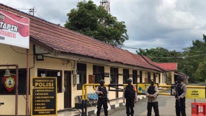 Polres Tapin Berlakukan Satu Pintu Keluar Satu Pintu Masuk Pasca Teror di Mabes Polri