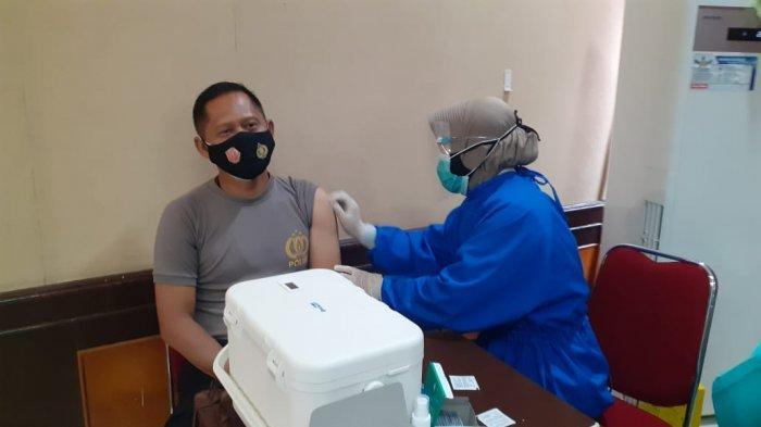 100 Personel Polresta Banjarmasin Ikuti Vaksinasi Covid-19, ini Sasaran Utamanya