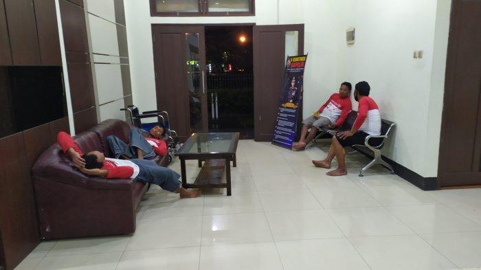 Truk Fuso Tenggelam di Pelabuhan Trisakti Banjarmasin, Tujuh Selamat Satu Patah Kaki