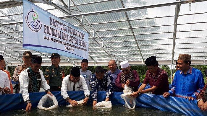 Ponpes Al Islam Kambitin Tabalong Lakukan Budidaya Ikan dengan Sistem Bioflok