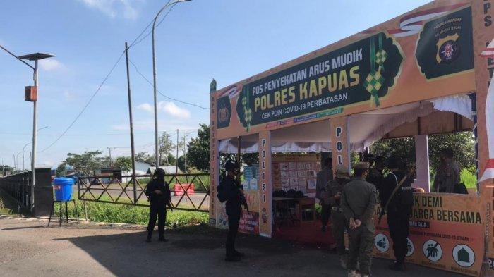 Polda Kalteng Bangun Pos Penyekatan Arus Mudik di Terminal Banama Kapuas
