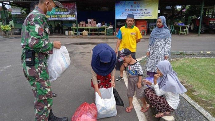 Banjir Kalsel 2021, Enam KK Warga Tunggul Irang Datangi Posko Tanggap Bencana Kodim 1006 Martapura