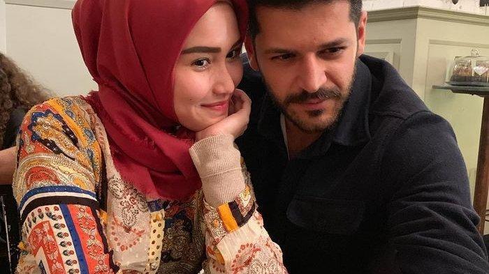 Blak-blakan Ayu Ting Ting Soal Emre Kivilcim, Pria Turki yang Berfoto Bersamanya, Teman Atau Pacar?
