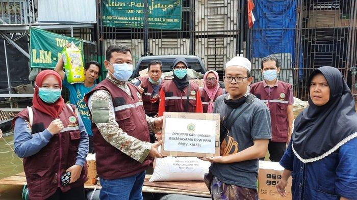 PPNI Kalsel salurkan bantuan ke korban banjir