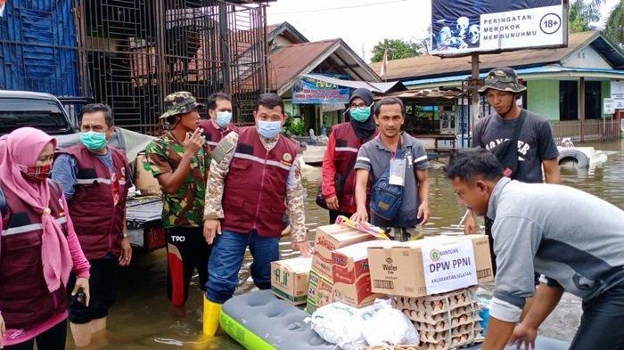 Galang Donasi Anggota dan Masyarakat, PPNI Kalsel Salurkan Bantuan untuk Korban Banjir di Kalsel