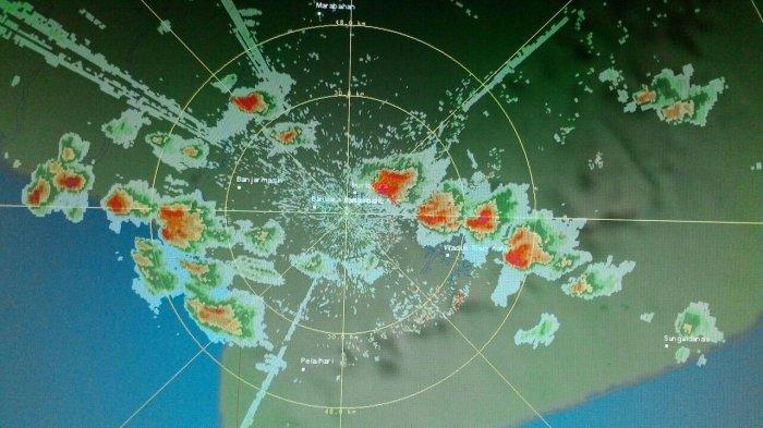 Cuaca Kalsel Hari, Enam Daerah Dibayangi Cuaca Ekstrem