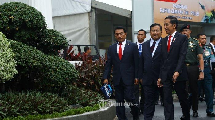 Jokowi 'Nekat Pasang Badan' untuk Eks Rivalnya Prabowo, Teman Sandiaga Uno Ini Dikritik Sering ke LN