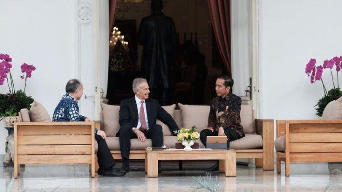 Bahas Ibu Kota Baru di Kaltim, Jokowi Bertemu Tony Blair dan Bos Softbank di Istana Merdeka