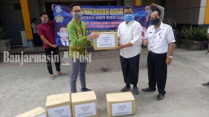 Dua SMK di Banjarmasin Bagikan 3.000 Masker Standar Medis