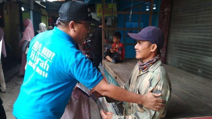 Belum Kantongi Dukungan Partai, Denny Indrayana Tetap Blusukan ke Pasar Kalindo