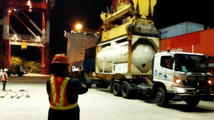 22 Ribu Liter Liquid Oksigen Tiba di Terminal Peti Kemas Banjarmasin, Diangkut KM Meratus Dili