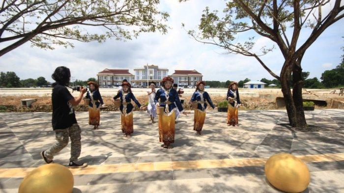 Gelas Budaya Kabupaten Tapin Siap Berkompetisi Dalam Hari Tari Dunia 2021