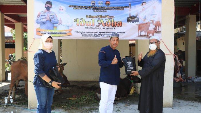 Iduladha 1442 H, TNI AL Lanal Banjarmasin Sembelih 12 Hewan Kurban dan Bagikan ke Masyarakat