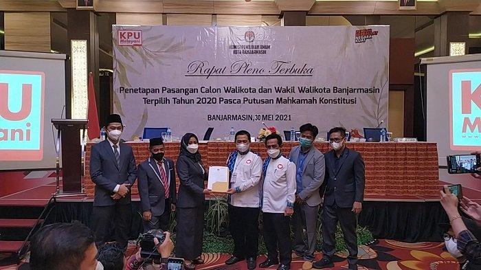Gelar Rapat Pleno, KPU Banjarmasin Tetapkan Ibnu-Arifin Paslon Walikota dan Wakil Walikota Terpilih