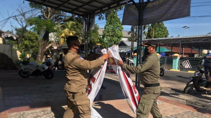 Jelang PSU Pilgub Kalsel 2020, Spanduk Bernuansa Politik di Banjarmasin Selatan Ditertibkan