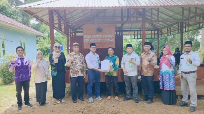PT Arutmin Indonesia Tambang Batulicin serah terima bangunan musala di Desa Pulau Burung