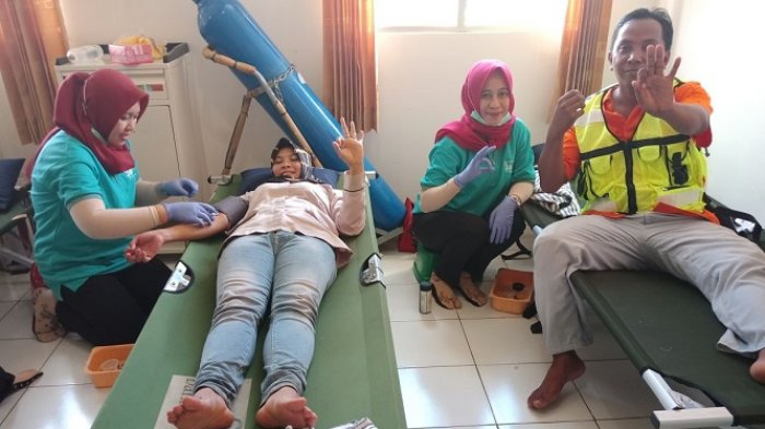 SP Mandiri PT Subur Agro Makmur Donorkan Darahnya