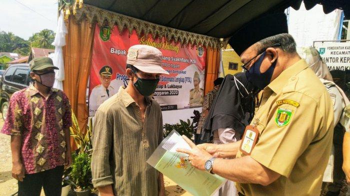 Bupati Tabalog Ingin Desa Lukbayur dan Mangkusip Jadi Percontohan Program PTSL