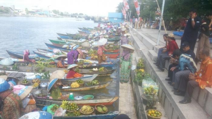 Pasar Terapung Dihadirkan, Menteri Susi Malah Batal Datang
