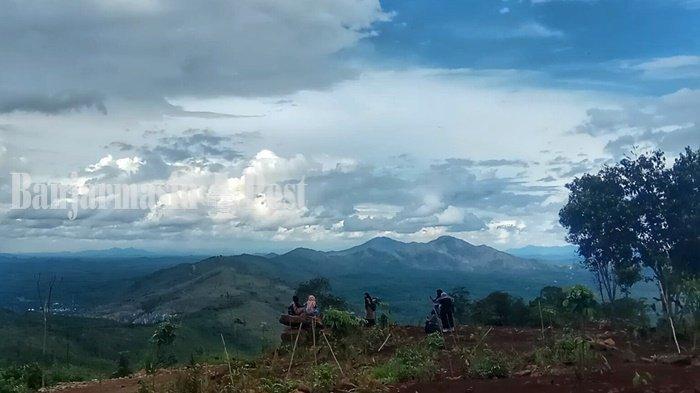 Serasa Negeri Atas Awan, Keindahan Puncak Tahura Sultan Adam Mandiangin Kabupaten Banjar