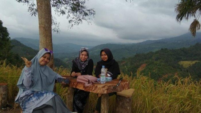 Wisata Kalsel di HST : Puncak Titian Musang Dusun Papapagaran, Ramai Dikunjungi Pasca Banjir