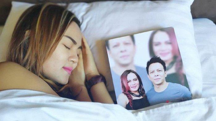 Potret Putri Jamila Tidur dengan 'Ariel NOAH' Curi Perhatian, Foto Eks Luna Maya Tersandar di Bantal