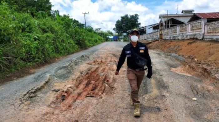 Sekretaris Komisi I DPRD Kotabaru Minta Perusahaan Bantu Pemeliharaan Jalan di Wilayah Operasi