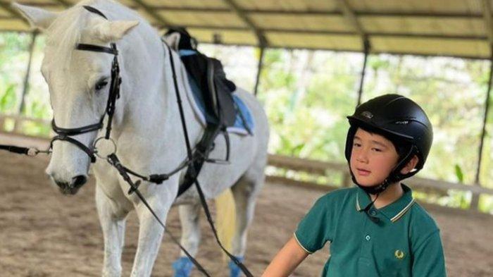 Baru 6 tahun Putra Mahkota Sultan Andara RafatharSudah Keliling Dunia Namun Tak Mau Digendong Siwon
