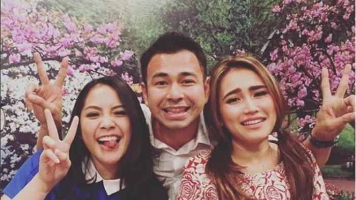 Ayu Ting Ting Disindir Jiplak Gaya Istri Raffi Ahmad, Umi Kalsum Semprot Fans Nagita Slavina