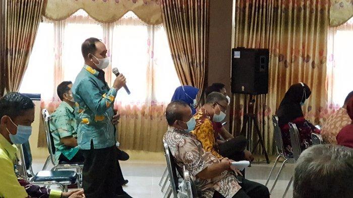Berisiko Diseruduk hingga Disepak Sapi, Petugas Non ASN/PTT di Tala Belum Diasuransikan